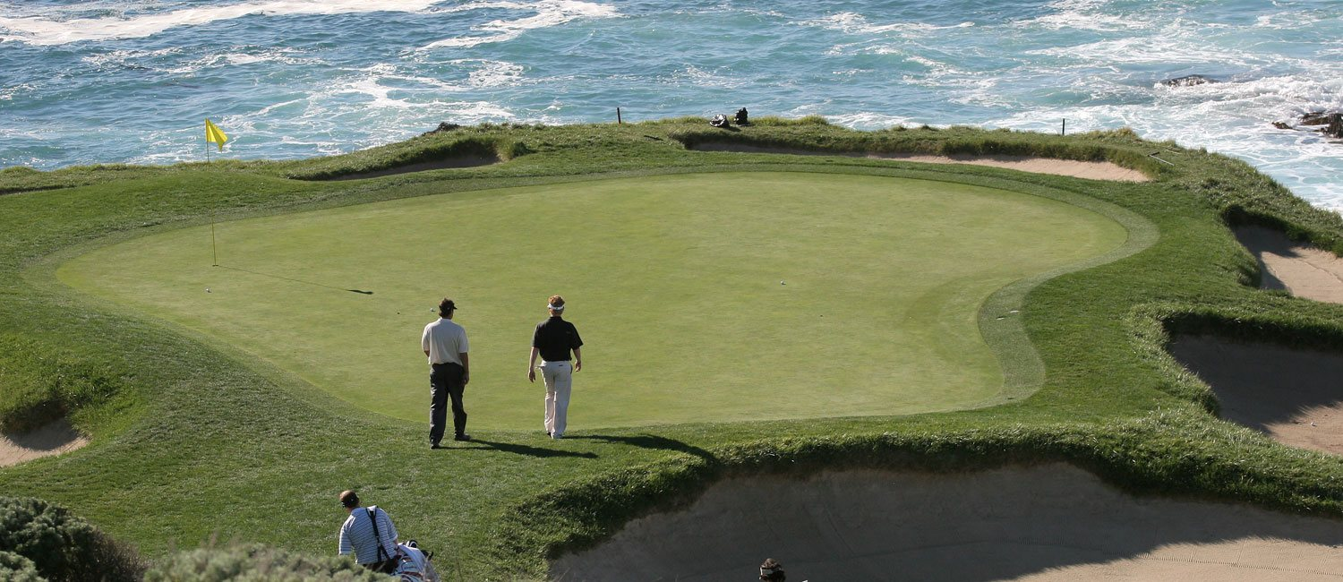 ENJOY THE VARIOUS GOLF COURSES NEAR OUR MONTEREY HOTEL
