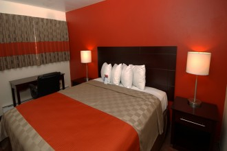 Comfortable California King Size bed rooms in Monterey