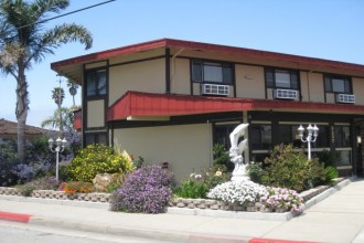 Red Roof Inn - Red Roof Inn Monterey offers spacious accommodations