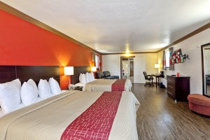 Red Roof Inn - Well Appointed Family Suite