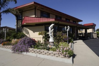 Red Roof Inn - The Red Roof Inn Monterey is centrally located in Monterey